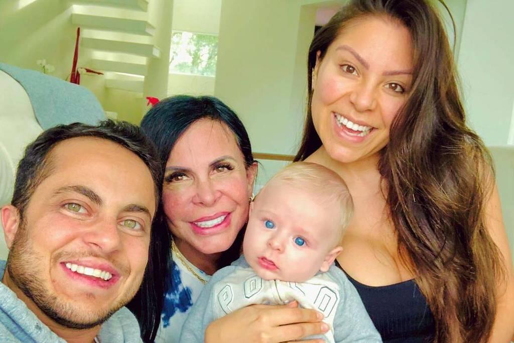 Thammy Miranda com Gretchen (mãe), Bento (filho) e Andressa Brito (esposa) - Instagram/@thammymiranda